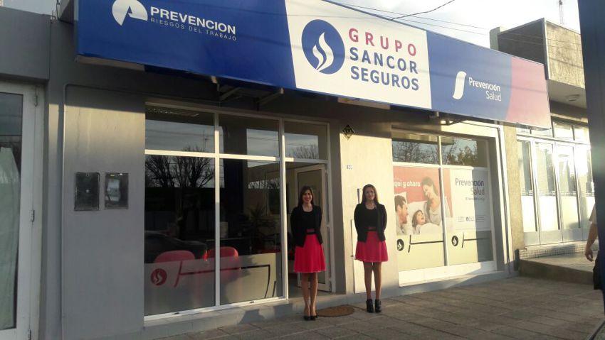 Tres organizaciones del grupo sancor seguros inauguraron for Oficinas genesis seguros